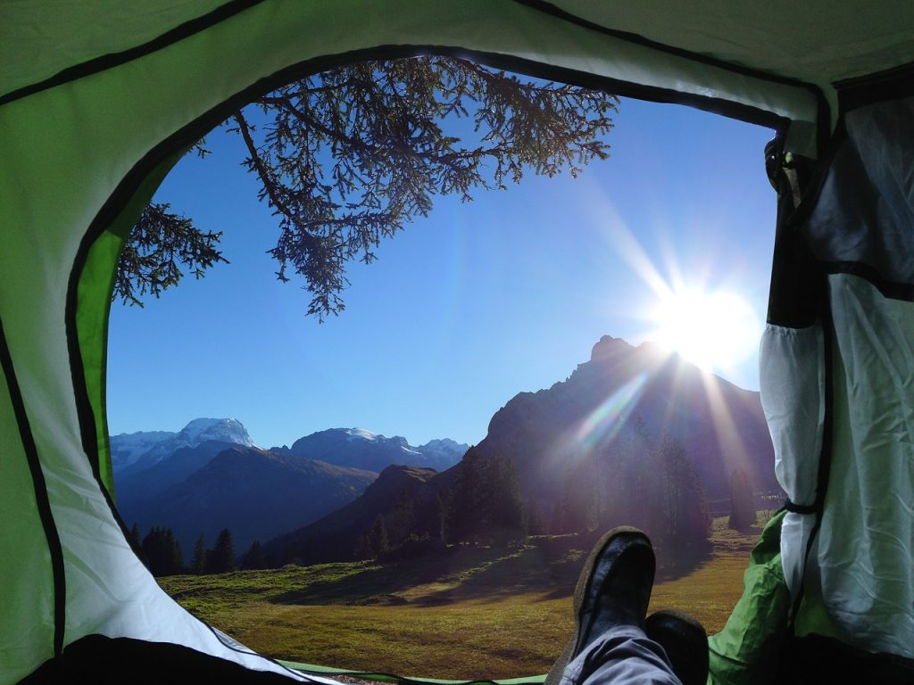 5 Gadgets That Make The Perfect Gift For Campers